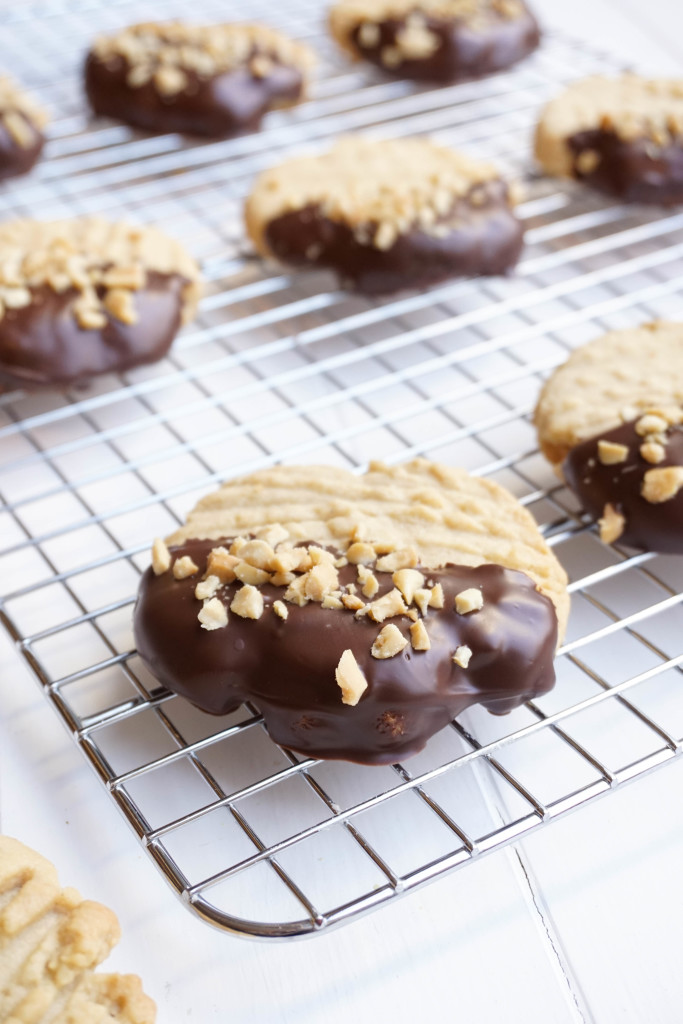 Chocolate Dipped Peanut Butter Cookies from the dessert chronicles
